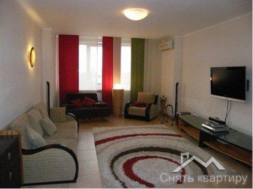 Аренда трехкомнатной квартиры в Центре Киева