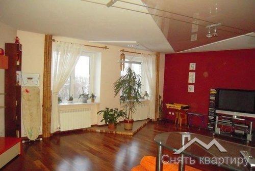 Аренда трехкомнатной квартиры Краснова