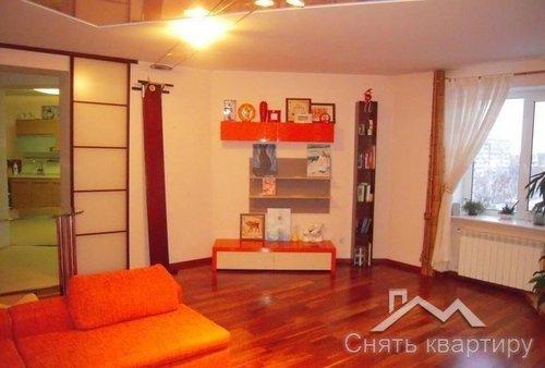 Длительно трехкомнатная квартира Киев