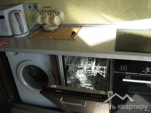 Сдам трехкомнатную квартиру в центре Киева