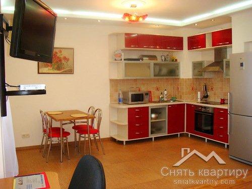 Аренда однокомнатной квартиры в Днепровском районе по улице Окипной Раисы, 10