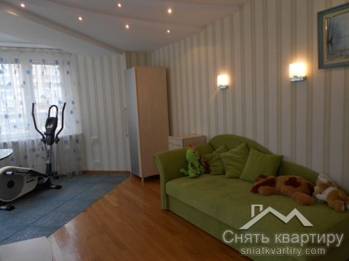 Аренда 4 комнатной квартиры на Оболонских липках по пр. Героев Сталинграда 24