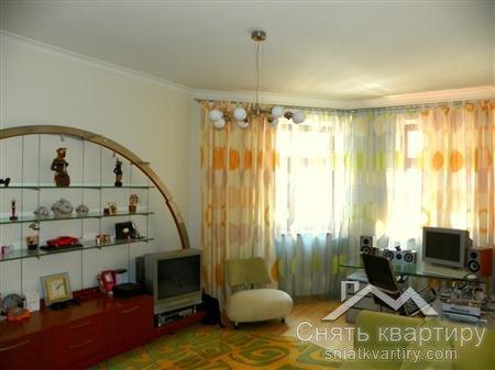 Аренда 4 комнатной квартиры на улице Павловская 18