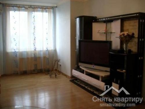 Снять трехкомнатную квартиру по улице окипной Раисы 4