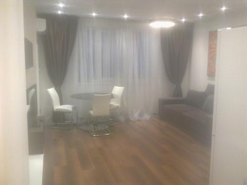 Аренда двухкомнатной квартиры-студио на улица Александра Мишуги, 12
