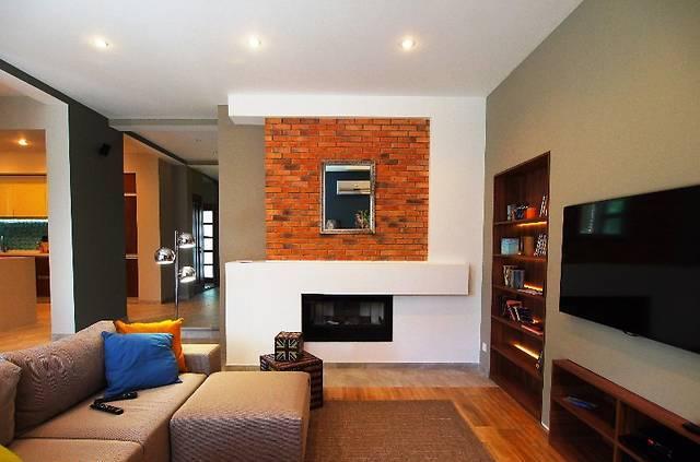Аренда и продажа квартир комнат офисов коттеджей в